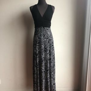 XOXO sz S geo print maxi dress